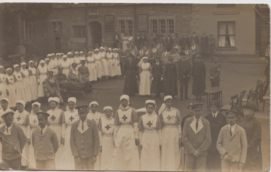 Elsie Cuss, 1918, Malmesbury Hospital - Elsie is the tallest at centre of picture