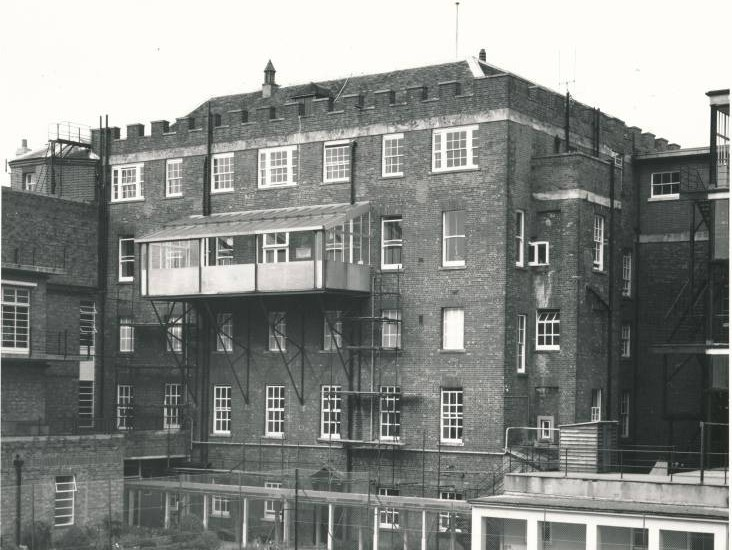 Salisbury Infirmary, with the memorial balcony. Credit: ArtCare, Salisbury District Hospital