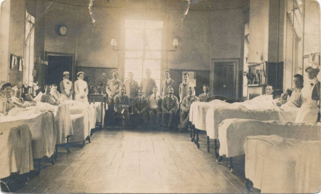 The back of this postcard reads 'Feversham Ward, Salisbury Infirmary, April 1913. The ward was later given over to WWI medical cases. (Credit: ArtCare, Salisbury District Hospital).